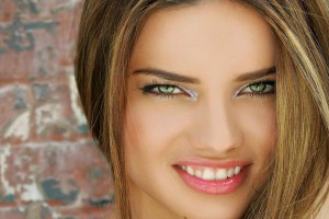 1024x768px 5 Adriana Lima Eye Makeup Picture in Make Up