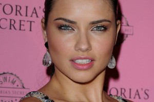 Make Up , 5 Adriana Lima Eye Makeup : Adriana Lima in Attractive Eyes Makeup