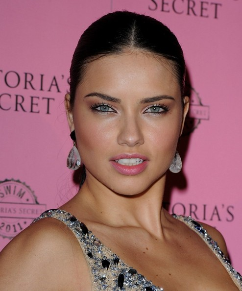 5 Adriana Lima Eye Makeup in Make Up