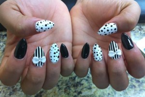 Nail , 7 Pointy Nails Design : Black and White pointy nails