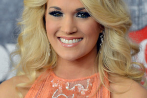 Make Up , 6 Carrie Underwood Eye Makeup : Carrie Underwood Bright Eyeshadow