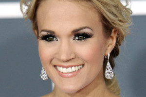 Make Up , 6 Carrie Underwood Eye Makeup : Carrie Underwood's low romantic