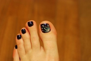 600x405px 6 Christmas Toe Nail Designs Picture in Nail