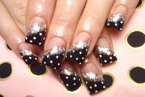 550x412px 8 Polka Dot Nail Designs Picture in Nail