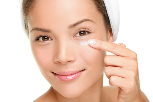4 Makeup For Puffy Eyes in Make Up