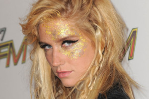 550x550px 4 Kesha Eye Makeup Picture in Make Up