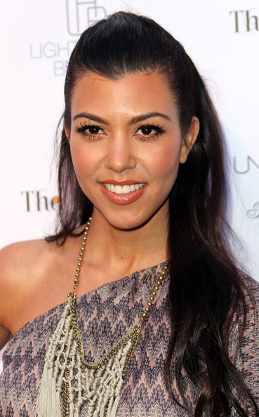 Kourtney kardashian makeup