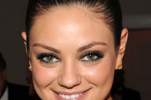 444x594px 5 Mila Kunis Eye Makeup Picture in Make Up