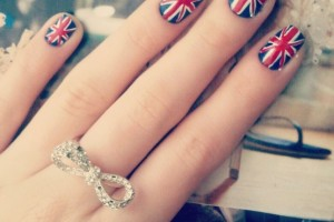 554x554px 6 Patriotic Nail Art Designs Picture in Nail