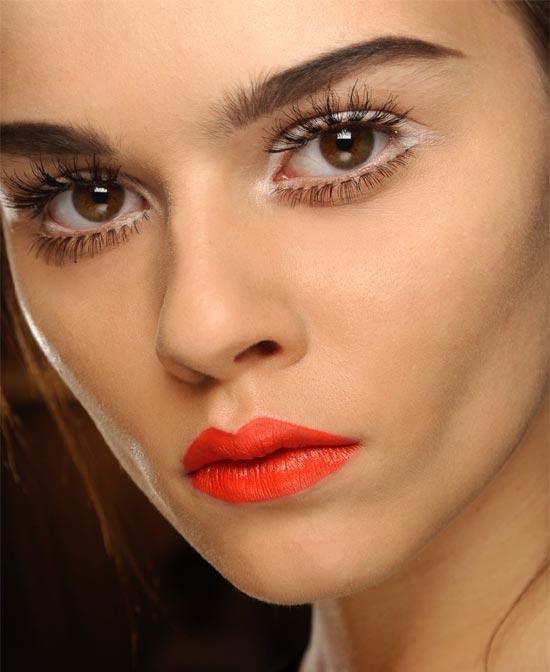 7 60s Eye Makeup in Make Up