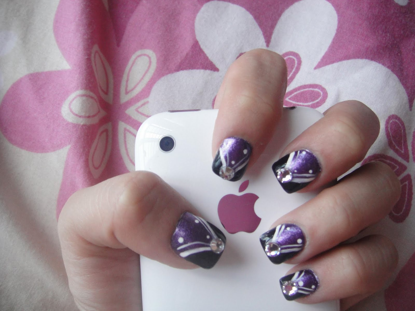 Simple nail art designs for short nails 3 simple nail art max size 1600 x 1200 prinsesfo Images