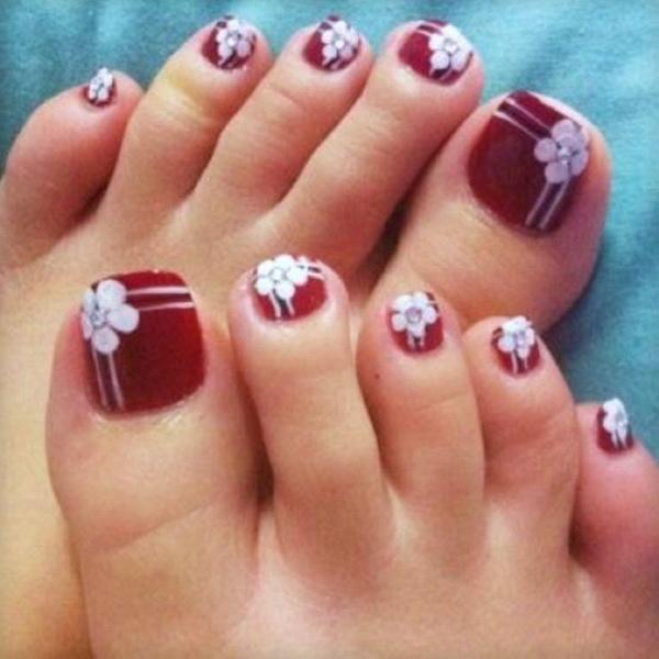 6 Christmas Toe Nail Designs in Nail