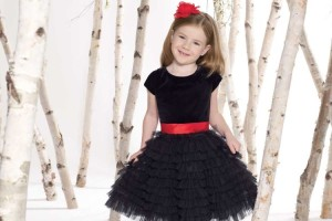 750x1000px 4 Black Little Girl Dresses Picture in Fashion