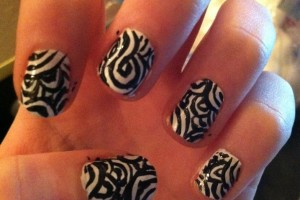 Nail , 6 Swirl Nail Designs : black white swirl nail design