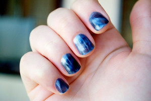 Nail , 8 Magnetic Nail Polish Designs : blue magnetic nail polish