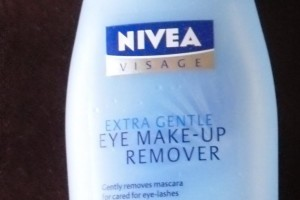 Make Up , 4 Nivea Eye Makeup Remover Product :  eye make up remover