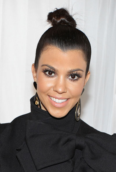 6 kourtney kardashian eye makeup woman fashion