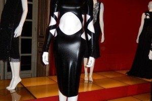Fashion , 7 Little Black Dress Exhibition : little black dresses display at Andre Leon Talley's