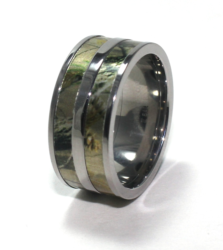 Mossy Oak Camo Wedding Rings in Jewelry