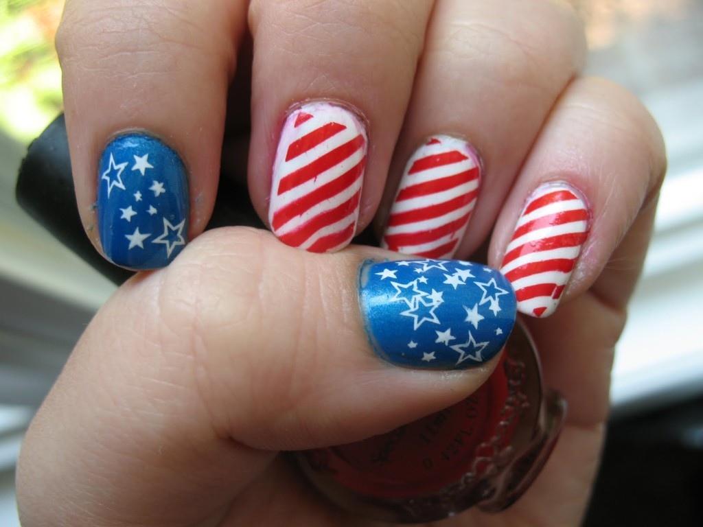 6 Patriotic Nail Art Designs in Nail