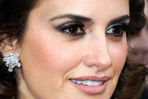 550x550px 5 Penelope Cruz Eye Makeup Style Picture in Make Up