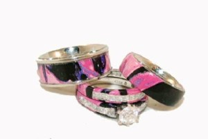 Wedding , Pink Camo Wedding Rings : pink-camo-wedding-rings-set