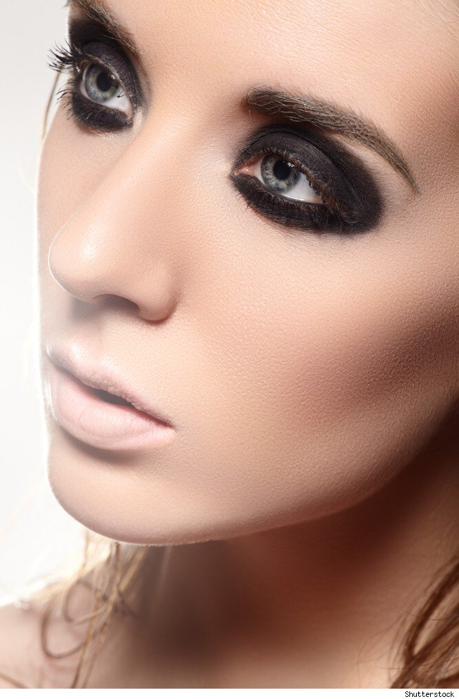 The Smokey Raccoon Eye : 7 Raccoon Eyes Makeup | Woman ... Raccoon Eyes Makeup