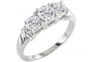 Jewelry , 10 Diamond Ring : 3 stone diamond ring