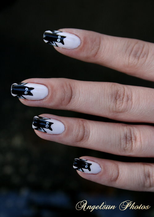 8 Batty Nail Art Designs in Nail