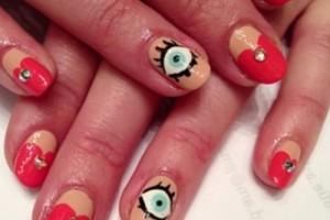 Nail , 5 Bloodshot Eyes Nail Design : Blue eyes red heart nail art