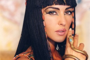 640x511px 6 Cleopatra Eye Makeup Picture in Nail