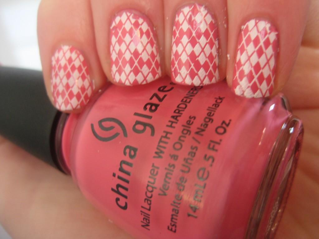 7 Girly Nail Designs in Nail