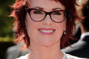 Hair Style , 4 Short Hairstyles For Women Over 40 With Glasses : Hairstyles For Women With Glasses
