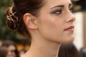 Hair Style , 4 Updo Homecoming Hairstyles : Kristen Stewart Updo Hairstyles for Prom