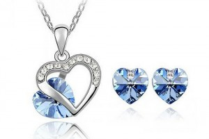 Jewelry , 6 Blue Crystal Necklace And Earring Set : Light Blue Crystal Heart Jewelry Set