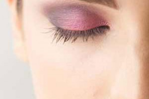 Make Up , 8 Makeup Tricks To Make Eyes Look Bigger : Make Your Eyes Look Bigger