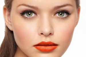 Make Up , 8 Makeup Tricks To Make Eyes Look Bigger : Makeup Tips for Eyes Look Bigger