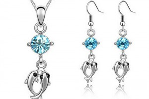 Jewelry , 6 Blue Crystal Necklace And Earring Set : Necklace and Earring Jewelry Set
