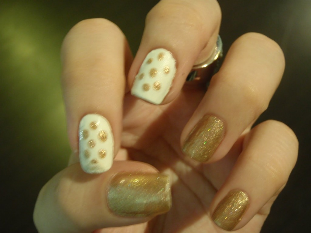 6 Gold Nail Polish Ideas in Nail