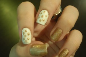 Nail , 6 Gold Nail Polish Ideas : My inspiration: Jun\'s nails, I think she did this design late last ...