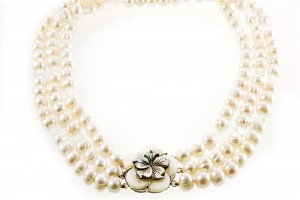 Jewelry , 7 Pearl And Crystal Necklace : Pearl and Rock Crystal Flower Necklace