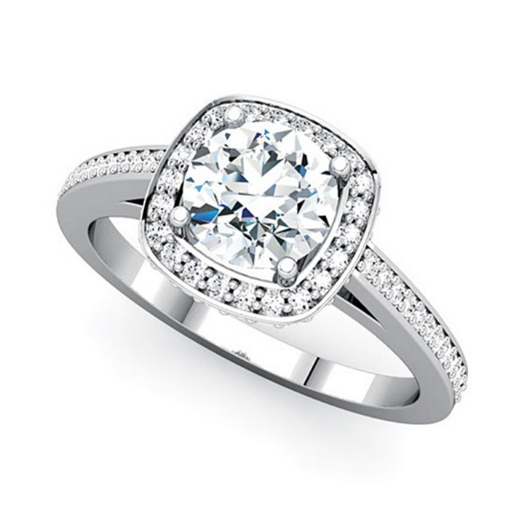 10 Diamond Ring in Jewelry