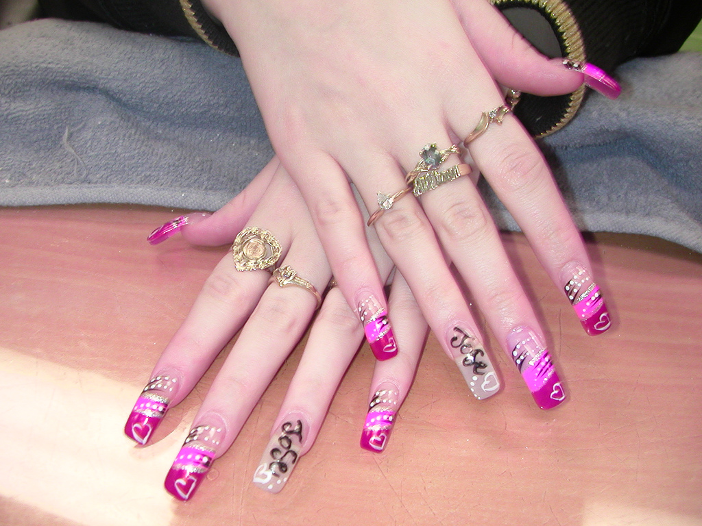 6 Artificial Nail Designs in Nail