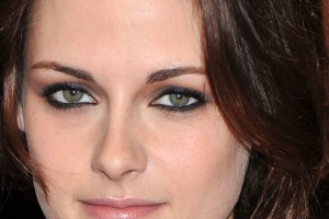 Make Up , 5 Prom Makeup For Green Eyes : Prom Makeup Kristen Stewart eyes