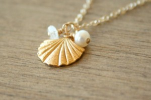 Jewelry , 12 Necklace Etsy : Seashell Cluster Necklace etsy