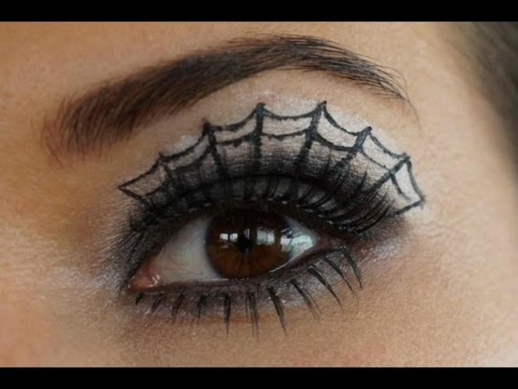 5 Spider Web Eye Makeup in Make Up