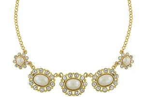 2400x2400px 7 Pearl And Crystal Necklace Picture in Jewelry