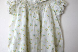 Fashion , 8 Vintage Style Dresses For Kids : Vintage Sweet Tulip floral Ivory dress