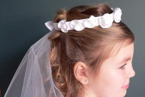 Hair Style , Hairstyles For Junior Bridesmaids : wedding hairstyles junior bridesmaids | My Hairstyles Site