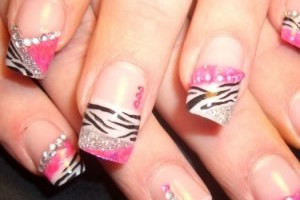 300x300px 7 Artificial Nail Designs Picture in Nail